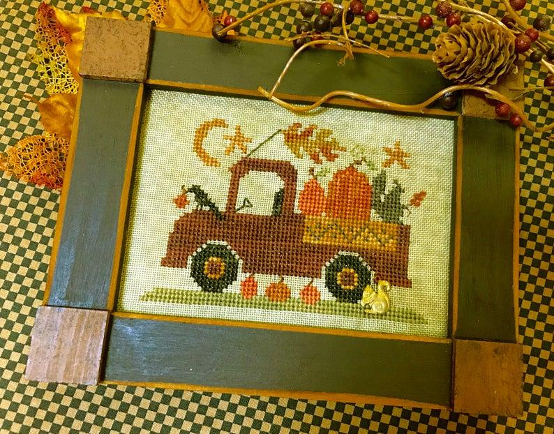 Homespun Elegance PUMPKIN PICKIN' TRUCK Cross Stitch Pattern