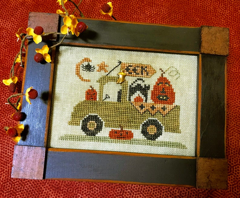Homespun Elegance TRICK OR TREAT TRUCK Cross Stitch Pattern