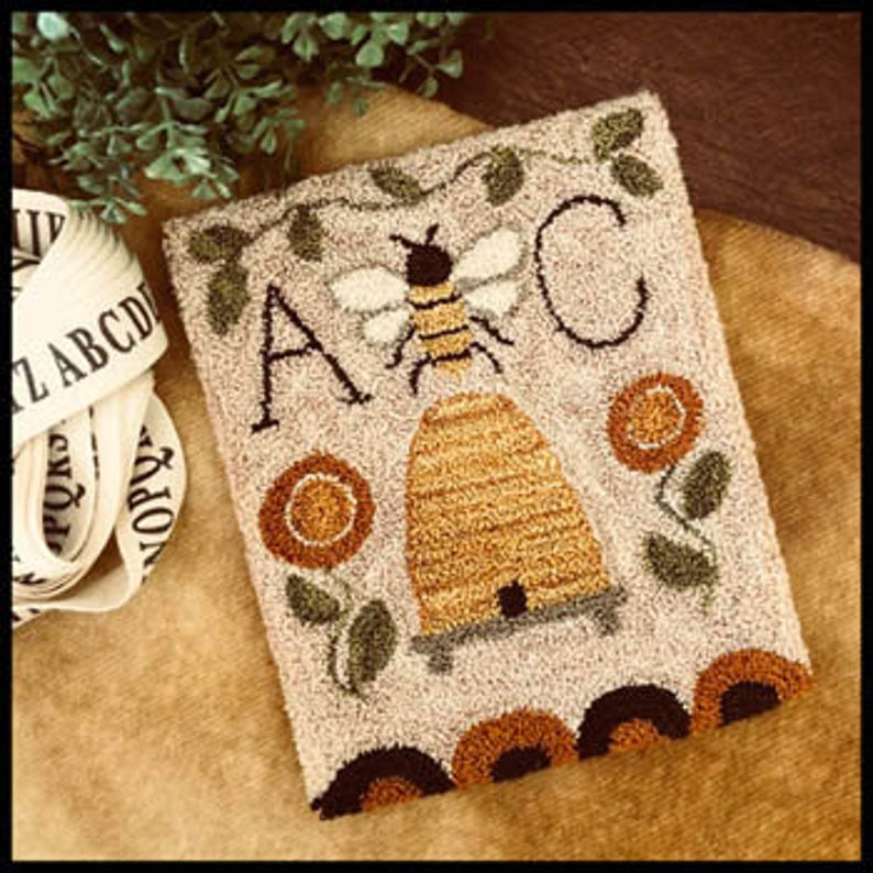 Little House Needleworks BEE GARDEN Punch Needle Pattern